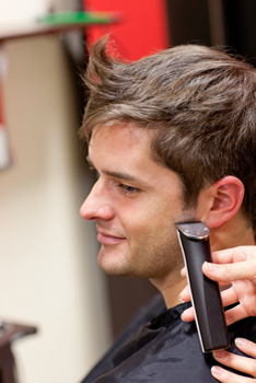 barber-insurance-razor